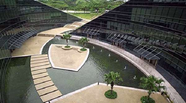 Shangrala's Awesome Grass Roof