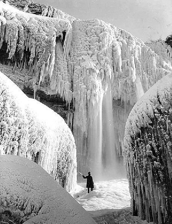 Shangrala's Niagara Falls Frozen