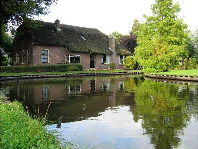 Shangrala's Giethoorn - The Venice Of Holland