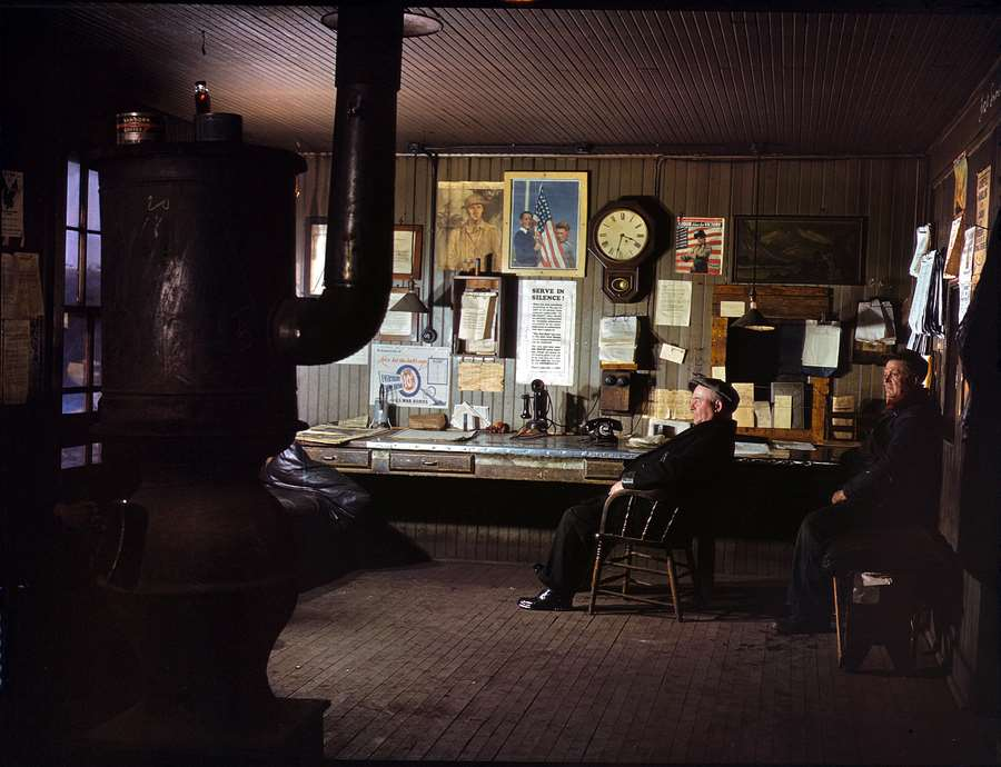 Kodachrome Photos From 1942/43