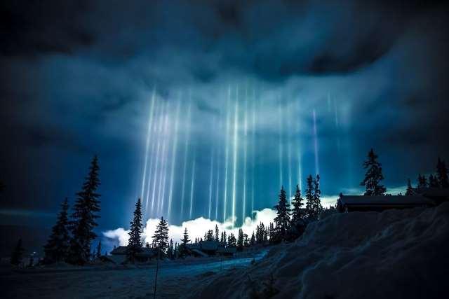 Shangrala's Amazing Light Pillars