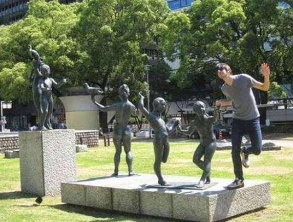 Shangrala's Fun With Statues 2