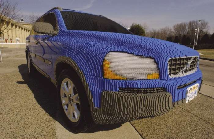 Shangrala's Volvo Lego Car